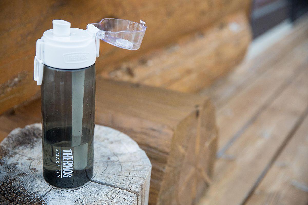 """""""Умната"""" бутилка на Тhermos следи навиците на притежателя си относно консумацията на вода"""