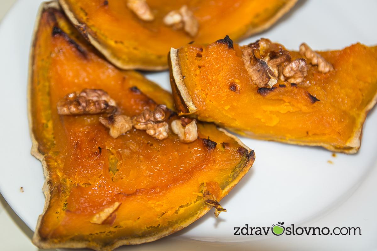 Печена тиква с орехи, месец октомври, сезонно хранене