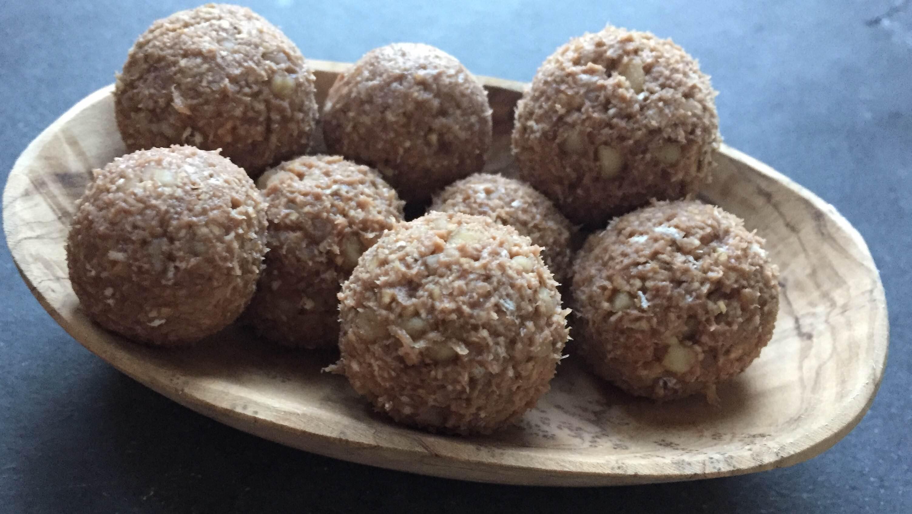 протеинов суров десерт - топчета с бадеми