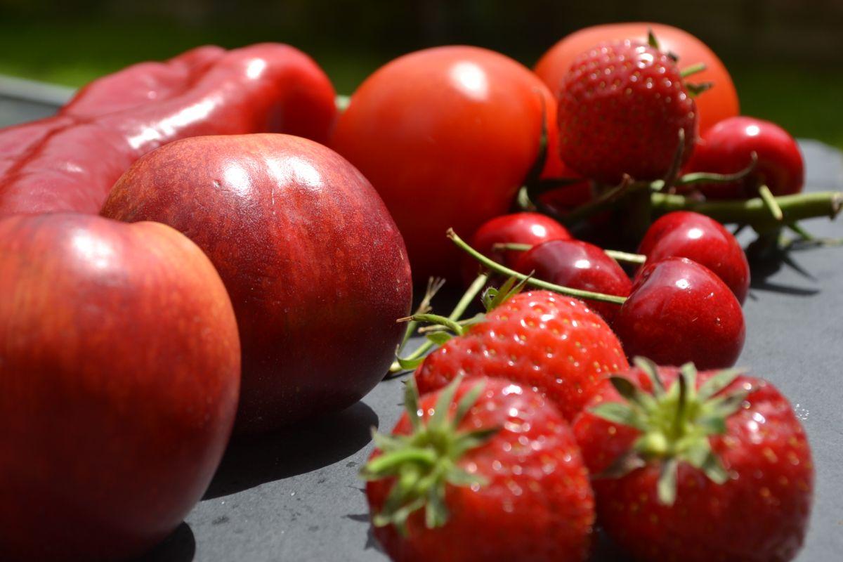 Червени храни (плодове и зеленчуци)