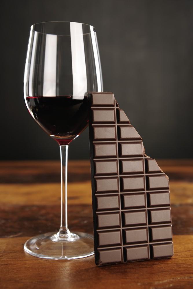 Шоколадът и червеното вино не са толкова здравословни, колкото си мислим